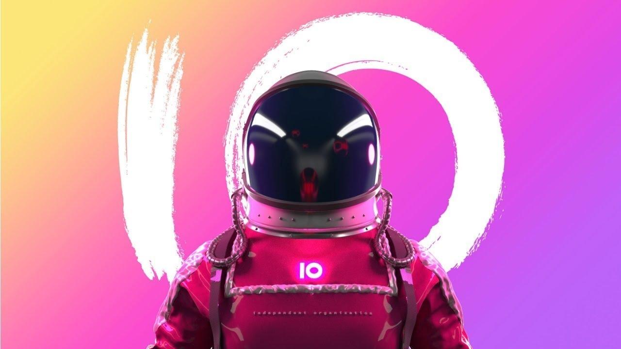 Космонавт с логотипом IO